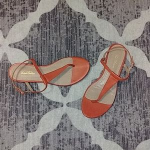 Brooks Brothers T Strap/Thong Sandals 7